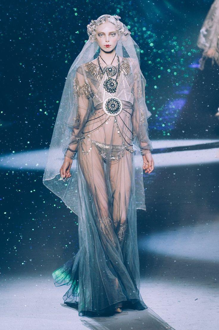 28159 best Fashion images on Pinterest   Fashion show, High fashion ...