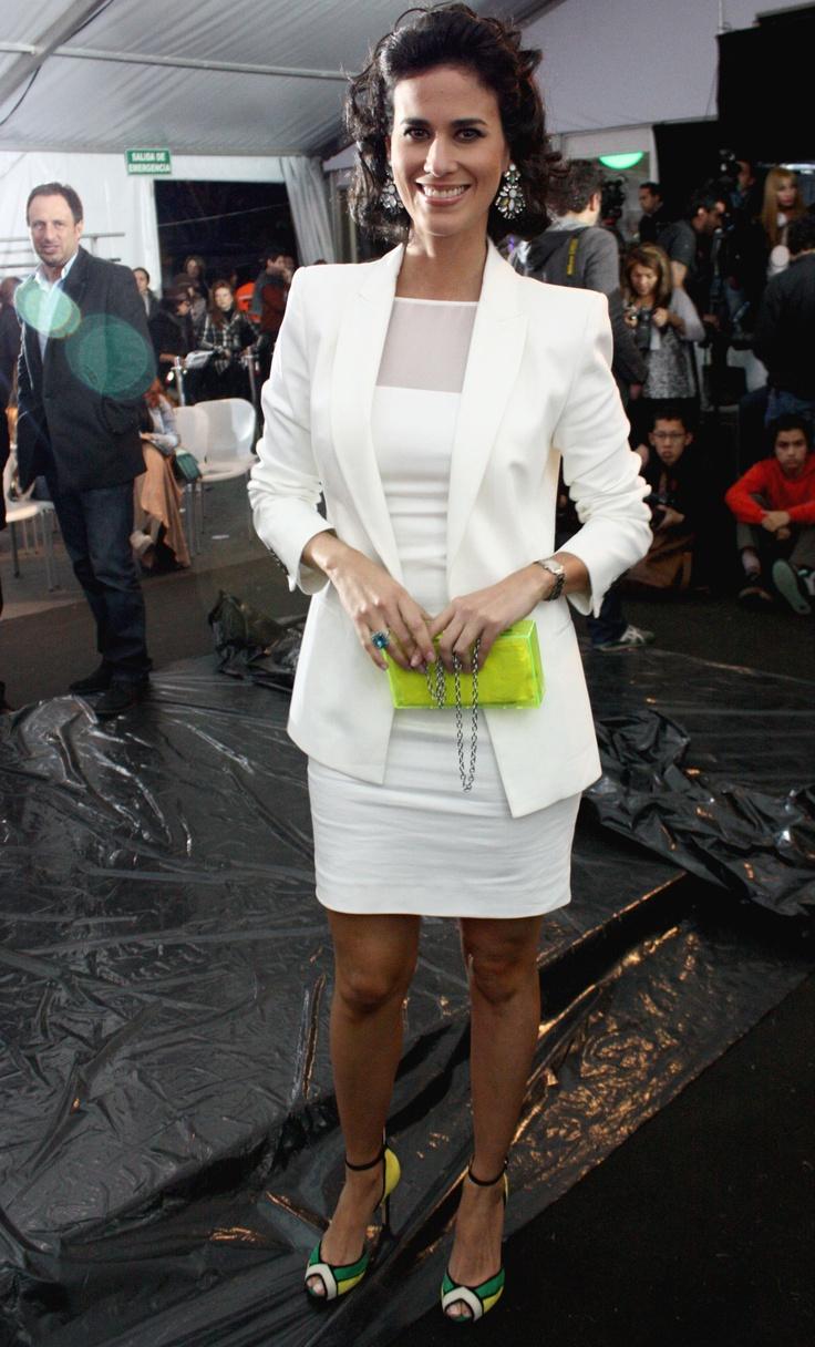 "Sandra Velez, Presentadora de ""Divas"" del canal City TV"