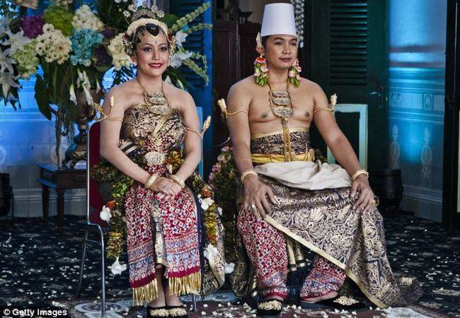 A Traditional Indonesian Royal Wedding!