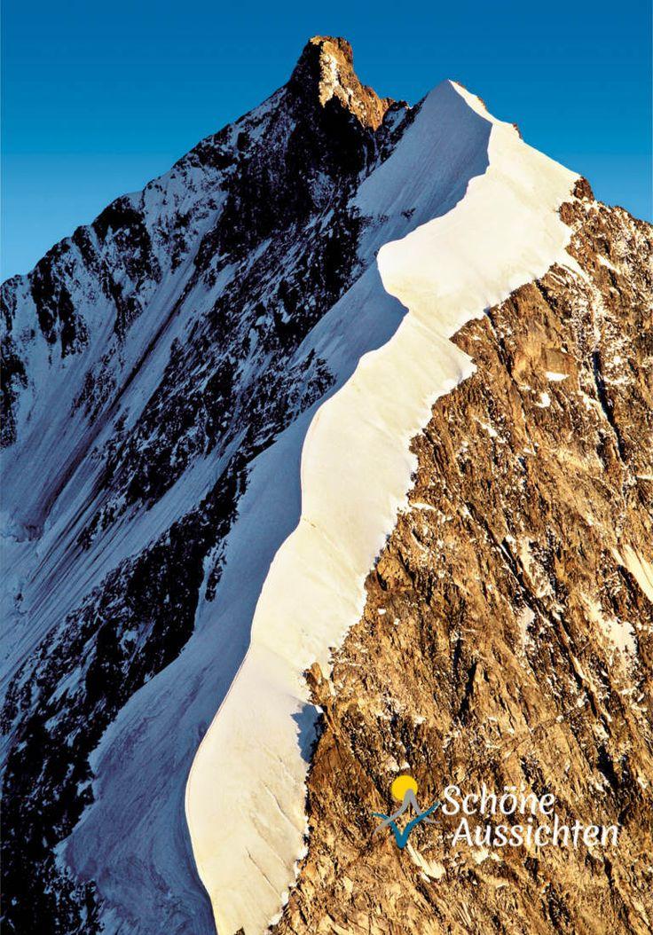 Blick vom Morteratsch aus auf den Biancograt am Piz Bernina im Oberengadin.  http://www.schoene-aussichten.travel/region/engadin/  ©swiss-image.ch / Robert Boesch