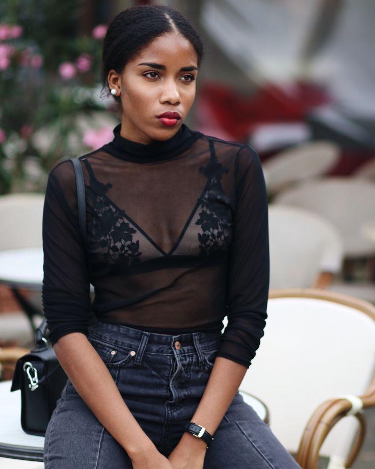 transparente Bluse, Spitzen Bh, Fashionblog Berlin, Influencer Germany, sexy Unterwäsche , Bronzingeyes, rote Lippen dunkle Haut, black girls magic, melanin, deutsche blogger, graue jeans, grey jeans,