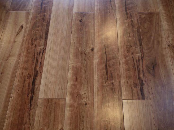 KurumiruさんのPanasonicの床材『アーキスペックフローリング』(8563-1)