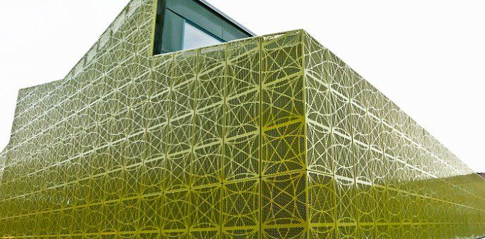 Revêtement de façade unique pour bâtiment scolaire: Académie Rinkeby Ecole - Rinkeby, Suède Architectes: Aperto… #InfoWebBTP