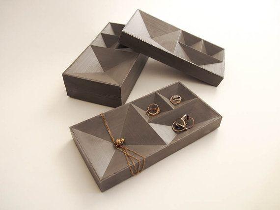 Bandeja de hormigón para joyas - Concrete Jewelry Tray by HLouNY on Etsy