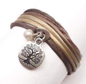 i just love the silk bracelet idea :) looks so comfy!