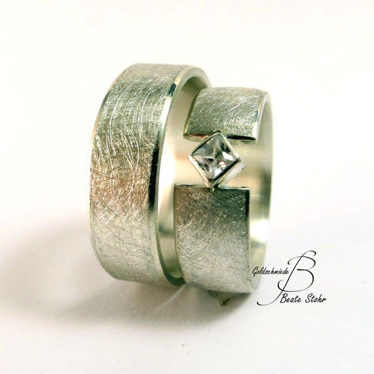 Trauringe mit Prinzess Stein. Einzigartiges Ehering-Design in Handarbeit gefertigt