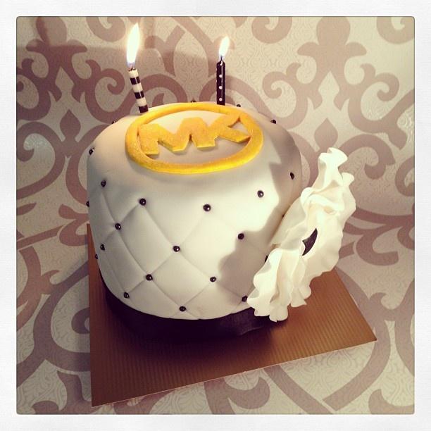 Cake Decoration J D O O : Michael Kors cake!! Realisation Pinterest Michael ...