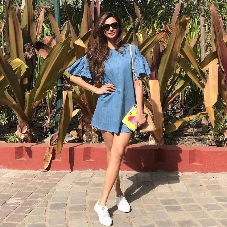 Daisy Shah looks uber chic in Zara on her way back from Rajkot yesterday @Bollywoodstylefile ❤❤❤  .  Dress: @zaraindiaofficial   Styled by: @trishadjani  .  .  #indianstyle #womensFashion #tendencia #jakarta #dilli #outfitinspiration #indian #lookbook #trendalert #gurgaon #desifashion #sonamkapoor #aliabhatt #instafashion #ranbirkapoor #dress #shahidkapoor #diseño #indianfashionblogger #chennai #beauty #style #daisyshah