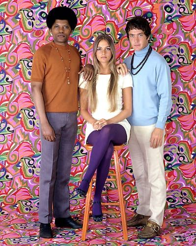 loved, loved, loved this show. . .but can't remember anything about it except Peggy Lipton's hair,the 'fro, mini-skirts, and psychelic patterns. . .detectives, I think