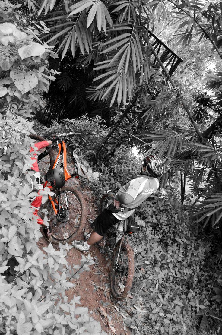 Bersiap di Jalur Roller Coaster Mtb Park Lengkong Gudang Timur BSD post by http://eben3d.blogspot.com