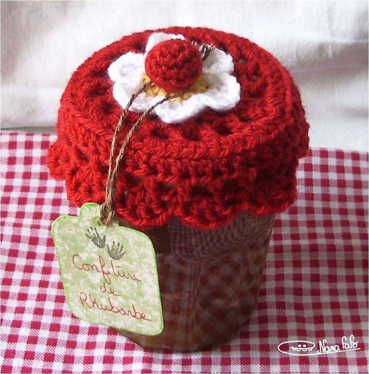 Tellement kitsch mais génial! Mini napperon au crochet pour pot de confiture!