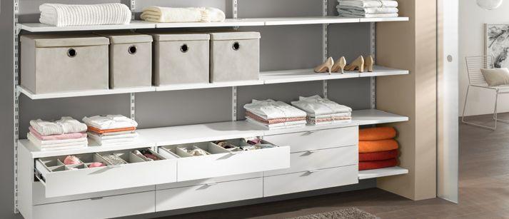 Begehbarer Kleiderschrank - mit cleveren  On-Tops wie Schubladen und Softboxen