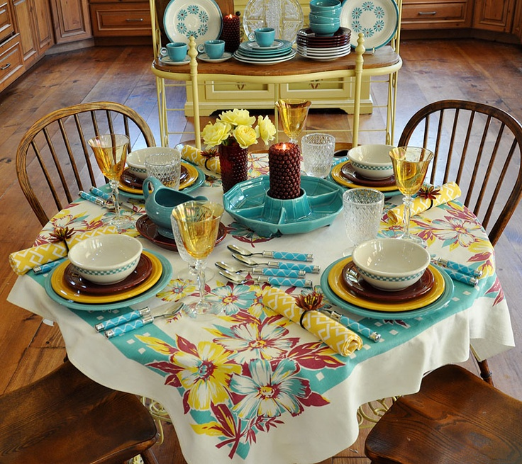 The Little Round Table · Fiesta WareVintage TableclothsTable ScapesCottage IdeasPlace SettingDessert ... & 39 best The Little Round Table images on Pinterest   Tablescapes ...