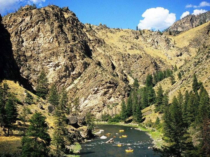 Idaho Whitewater Rafting - Middle Fork of the Salmon River | Photo: Neil Rabinowitz
