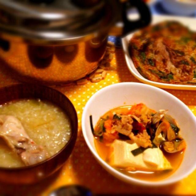 久々にガッツリにんにくを食べれる日があったので(*´Д`*) 辛くしてヒーハー言いながら食べました♪ - 4件のもぐもぐ - 韓国に行きたいごはん〜参鶏湯・スンドゥブ・豚キムチチヂミ〜 by conok