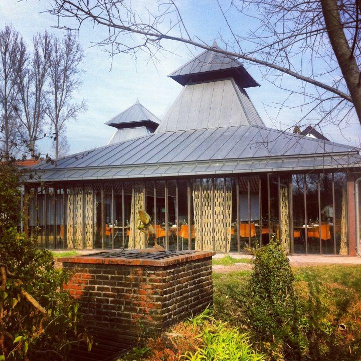Auberge de la grenouill re in la madelaine sous montreuil for Auberge du pin rouge