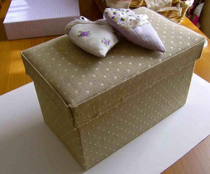 Come rivestire scatole di cartone ak08 regardsdefemmes for Rivestire una scatola