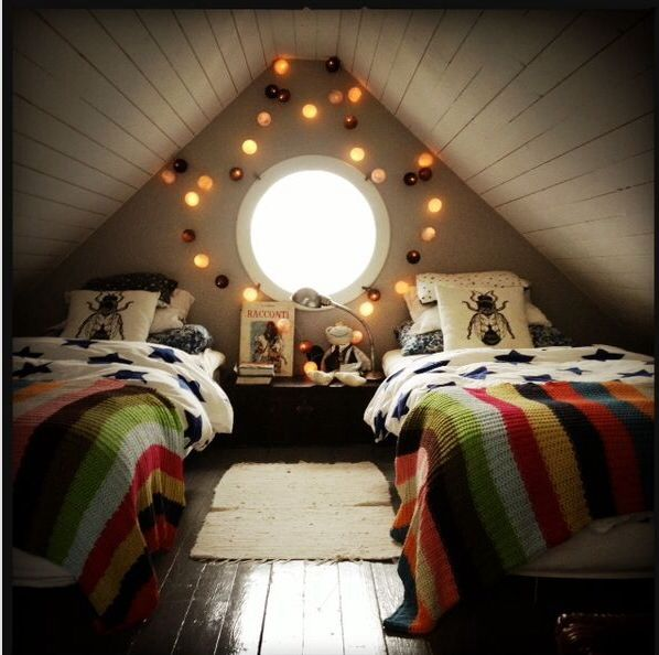 Really Low Ceiling 2 Beds Still Fit Bedrooms Attic Bedrooms Attic Bedroom