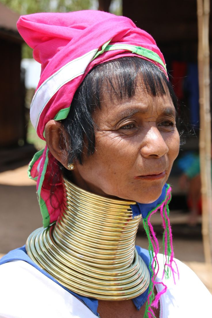 cou bcp de colliers femmes girafe Birmanie Myanmar-Loikaw-femmes girafes-Karen-mademoiselle voyage-5
