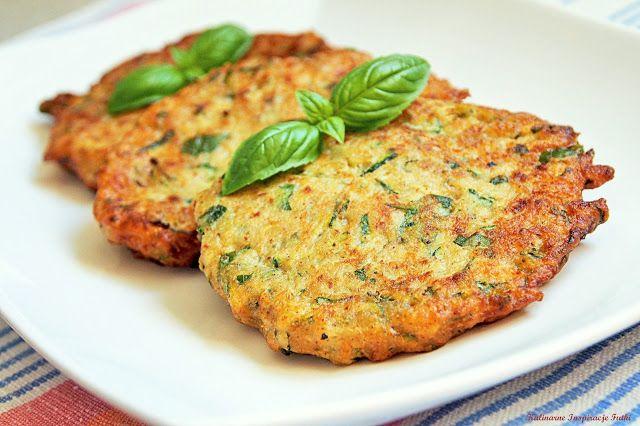 Kulinarne Inspiracje Futki: Cukiniowe placuszki z bazylią i orzechami