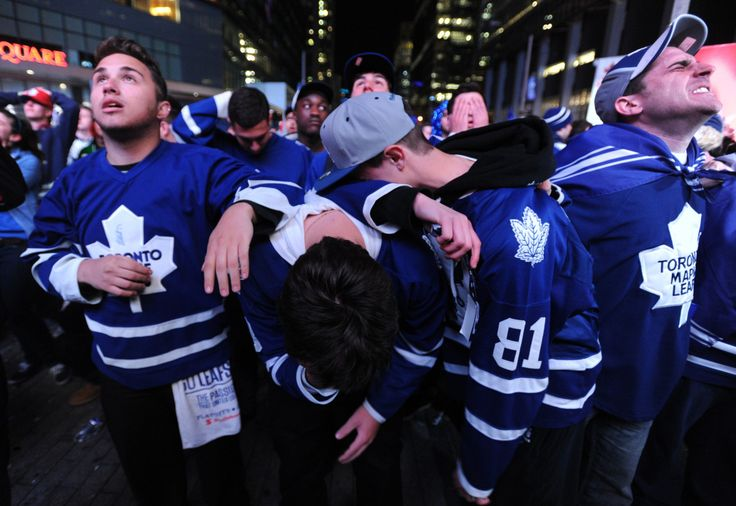 10 Awkward Moments That Only Happen In Toronto | Narcity Toronto