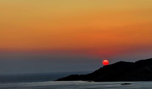 Baloon Sunset by Eleni Mac Synodinos