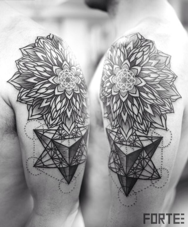 Sacred geometry shoulder tattoo #fortelondon #metatronscube #mandala #men