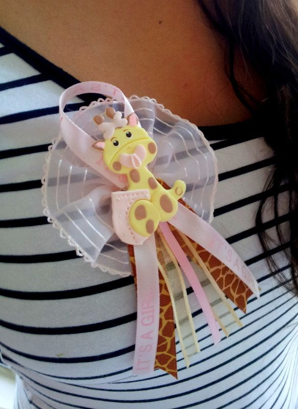 Cute baby shower pin/favors! https://www.retailpackaging.com/categories/74-everyday-specialty-ribbon #DIY