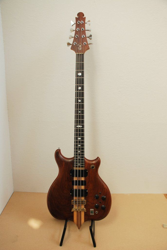 227 best bass 8 strings images on pinterest bass guitars tools and electric guitars. Black Bedroom Furniture Sets. Home Design Ideas