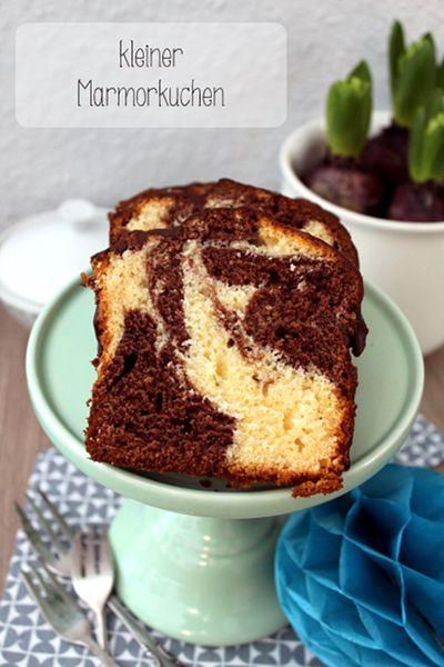 """Wenn ich nur für uns drei einen Kuchen backe, dann gibt es häufig die """"kleine"""" Variante. Heute nun das Rezept für einen kleinen Marmorkuchen."""
