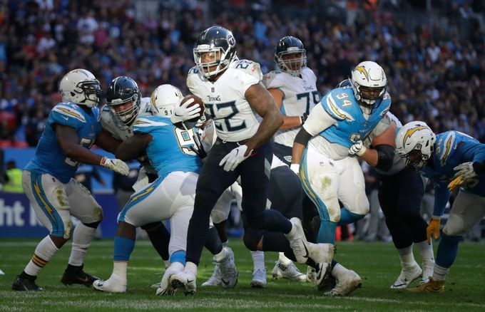 Tennessee Titans Running Back Derrick Henry 22 Runs Through To Score A Touchdown During The First Half Of An Nfl Football G Nfl Football Games Titans Wembley