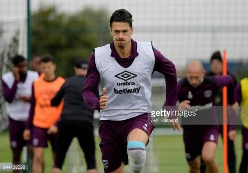 09-08 ROMFORD, ENGLAND - SEPTEMBER 08: Jose Fonte of West Ham... #fonte: 09-08 ROMFORD, ENGLAND - SEPTEMBER 08: Jose Fonte of West… #fonte
