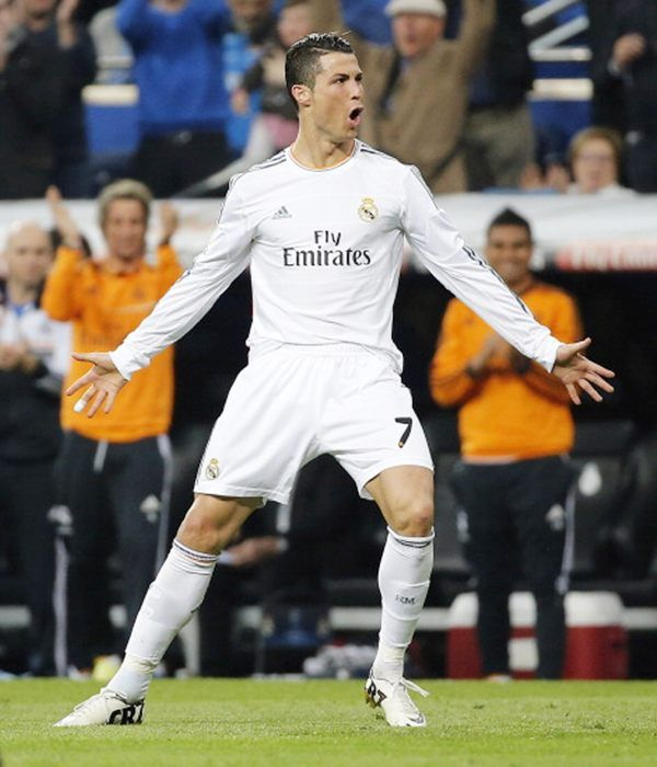Cristiano Ronaldo of Real Madrid celebrates after scoring his team's second goal during the La Liga match against Osasuna