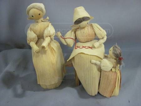 shopgoodwill.com: Two Vintage Cornhusk Dolls