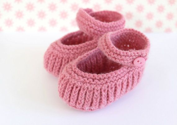 Baby Shower Gift Baby Mary Janes Pink Crib Shoes by Pinknitting