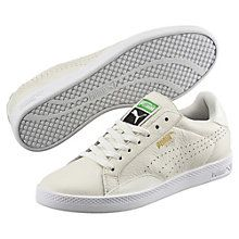 PUMA's first professional tennis shoe turned star was the Match, originally launched in the '60s. Some Match shoes were perforated for breathability. All were made with high quality leather, joint support for extra comfort, and clean, smooth lines. This version is updated with off-court appeal. It features a perforated Formstrip and overlay panels originally added to prevent players from skidding on court. All-black and all-white leather adds a sophisticated monochrome effect.  Features…