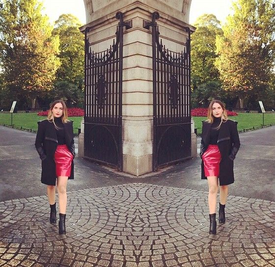 Get this look: http://lb.nu/look/8852327  More looks by Sabrina: http://lb.nu/user/6281297-Sabrina  Items in this look:  Zara Skirt, Bershka Black Leather Sleeved Coat, Primark Boots With Gold Block Heel, H&M Polo Neck   #autumn #skirt #coat #poloneck #knitwear #casual #boots
