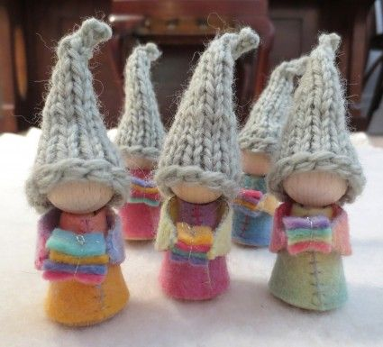 Gift-bearing Christmas gnomes {from Anna Branford}