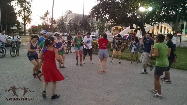Swing en plazas de Chile