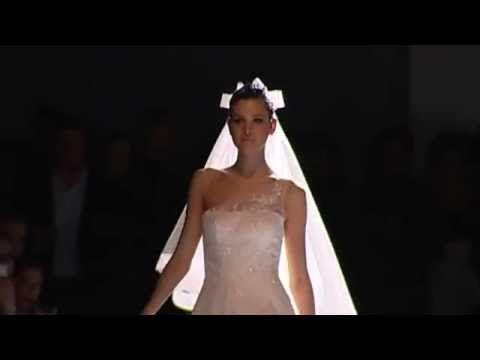 SAN PATRICK 2015 KOLLEKCIÓ  Jó hír a 2016-os menyasszonyoknak: augusztustól akár már a bérleti díj áráért megvásárolhatják a LOVE Esküvői Ruhaszalonokban a 2015-ös vagy régebbi San Patrick menyasszonyi ruhákat. Azokat, amiket ebben a videóban is láthatsz - hát nem gyönyörűek? Jelentkezz be hozzánk ruhapróbára: www.love-eskuvo.hu #menyasszonyiruha #kiarusitas #sanpatrick