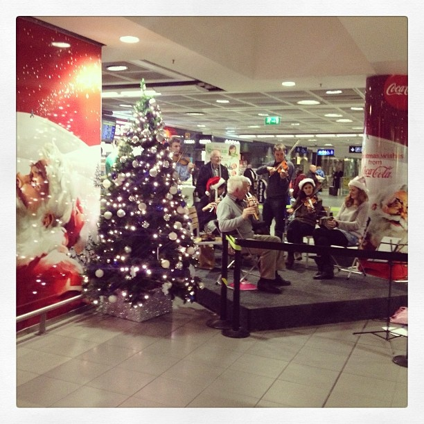 T1 entertainment by jimarama via Instagram. http://www.dublinairport.com/gns/at-the-airport/latest-news/12-12-11/Christmas_Twitter_Instagram_Photo_Competition.aspx