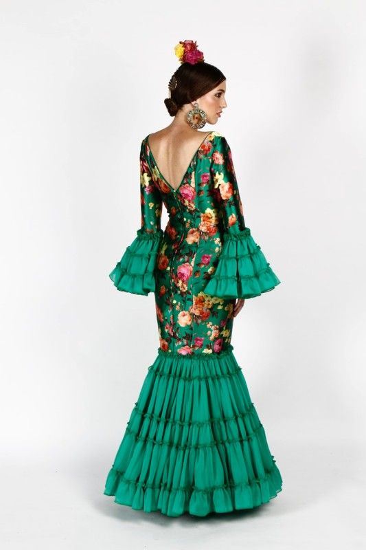 Traje de flamenca verde con estampado de tafetán y seda | SIMOF 2016