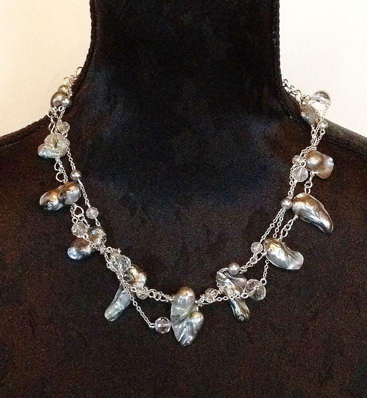 Handgemaakte exclusieve set van een ketting en oorbellen in grijs-zilver tinten gemaakt van wilde barokparels door BeautifullSieraden op Etsy