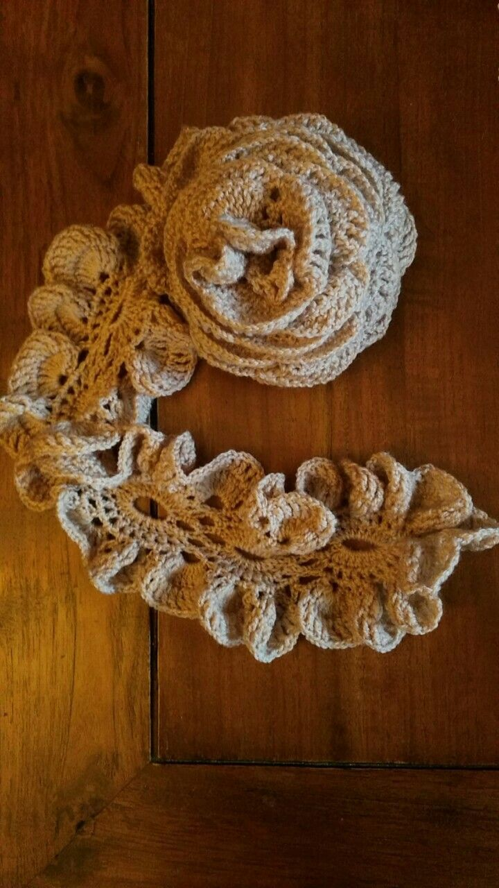 Sciarpa a Rosa all'uncinetto..Marvi Crochet