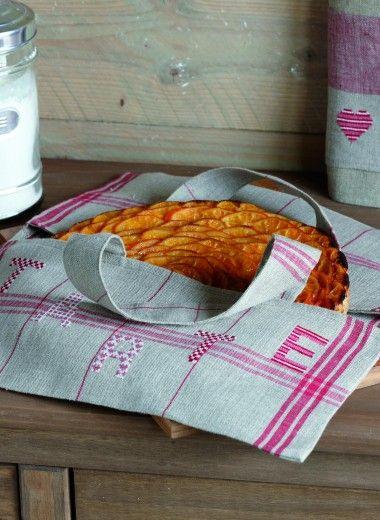 les 127 meilleures images propos de sac a tartes porta torte sur pinterest tutoriels. Black Bedroom Furniture Sets. Home Design Ideas