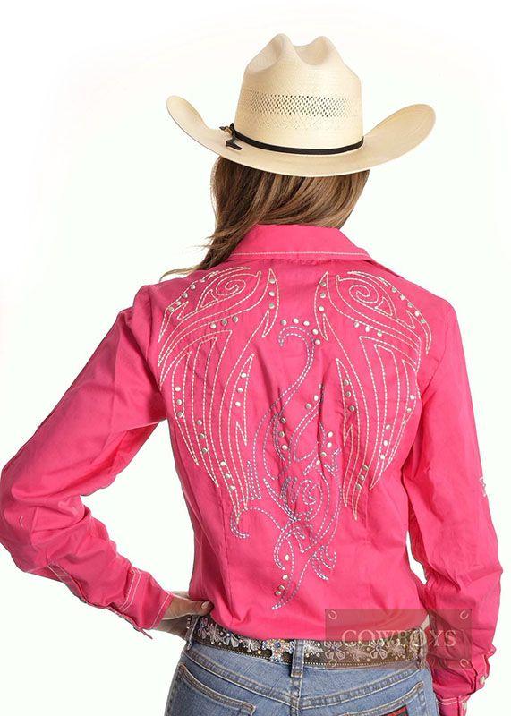Camisa Feminina Pink com Bordado Cruel Girl   Camisa feminina manga longa importada da marca Cruel Girl. Feita em tecido pink (rosa) com lindos bordados na parte frontal e traseira, fechamento feito por botões de pressão. Ideal para mulheres que gostam do estilo country, participam de provas, três tambores e cavalos.