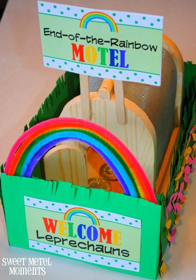 Sweet Metel Moments: Free Printable - Leprechaun Trap Signs. This is the cutest trap