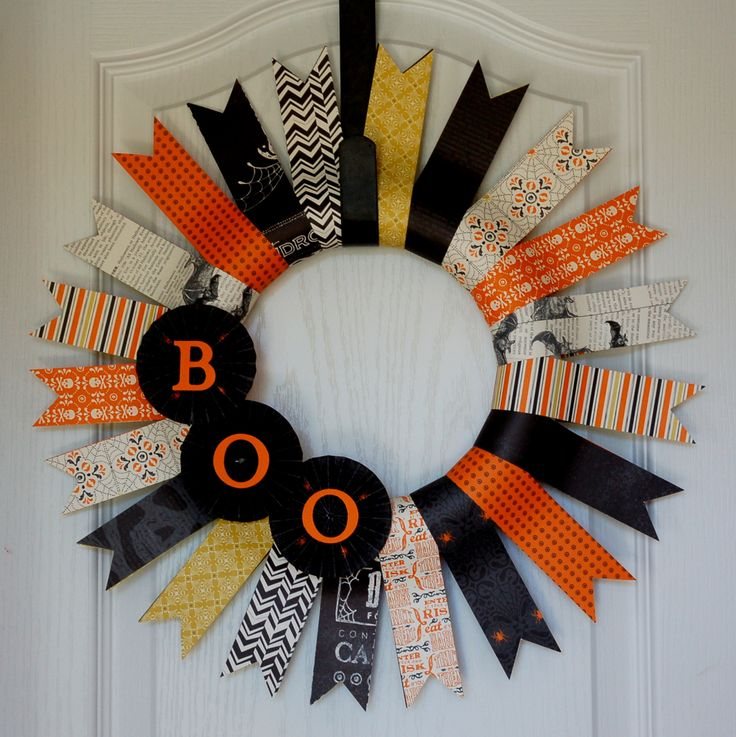 Halloween wreath made using Stampin' Up! Witches' Brew designer series paper.