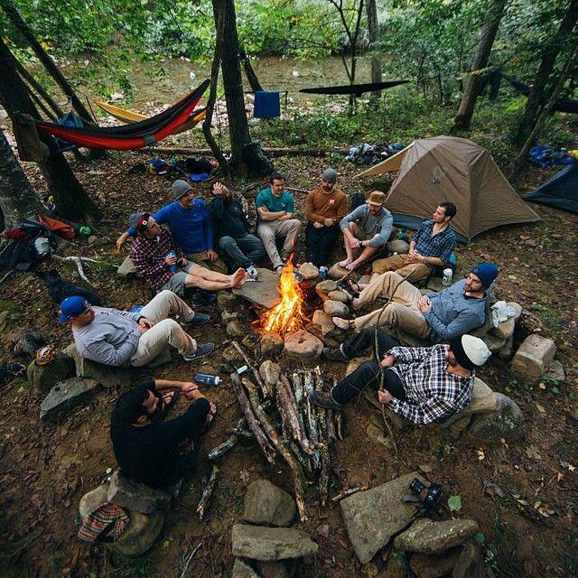 Partir camper dans les bois...