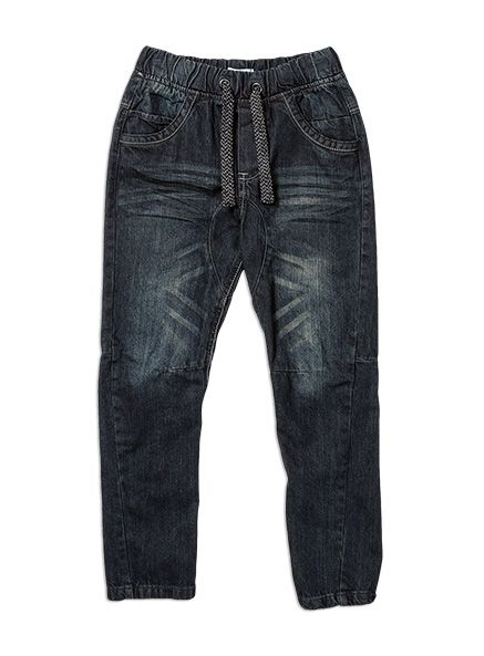 This is our banana leg jean with engineered seams to give you the perfect fit and feel. With an elasticated waistband for extra comfort and featuring a working drawcord, it will be the best pair of jeans your boy has ever had! Seams twisting to the front and an articulated leg profile - all the design tricks to keep you on trend and comfortable.